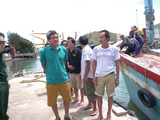 Chủ tàu chấp nhận lỗ 100 triệu đồng để cứu 10 thuyền viên gặp nạn - Ảnh 2.