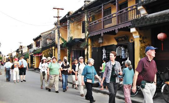 Phu nhân các nhà lãnh đạo kinh tế APEC sẽ dạo phố cổ Hội An - Ảnh 2.