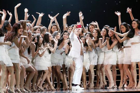 Đêm chung kết Hoa hậu Hoàn vũ Việt Nam dời sang tối 6-1-2018 - Ảnh 2.