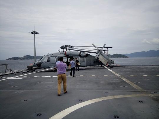 Hai chiến hạm cập cảng Cam Ranh - Ảnh 3.