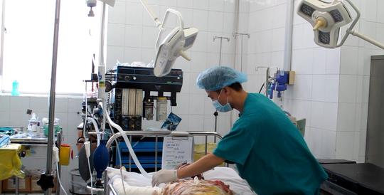 Anh Lê Đình Minh Châu đang chuẩn bị được phẫu thuật