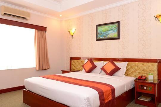 Phòng nghỉ tiện nghi tại Khách sạn Rạng Đông