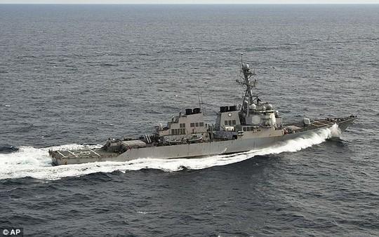 Khu trục hạm USS Porter. Ảnh: AP