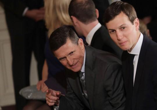 Con rể của ông Trump, Jared Kushner và Tướng Flynn. Ảnh: Reuters