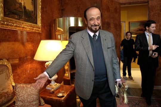Ông Rifaat al-Assad tại Paris năm 2011. Cảnh sát Tây Ban Nhà vừa thu giữ tài sản trị giá 750 triệu USD của gia đình ông này. Ảnh: AP