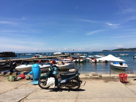 Cù Lao Chàm là hòn đảo thuộc tỉnh Quảng Nam, còn khá hoang sơ