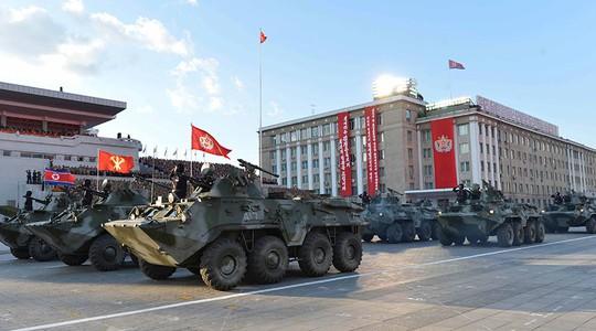 Giới phân tích Hàn Quốc cho rằng lễ diễu binh là dịp để Triều Tiên phô trương vũ khí. Ảnh: Reuters