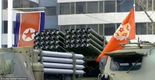 Hệ thống rocket của Triều Tiên xuất hiện tại lễ diễu binh. Ảnh: KCT