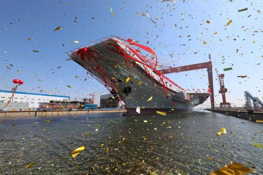 Tàu sân bay thứ hai của Trung Quốc tạm gọi là Type 001A, hạ thủy ngày 26-4. Ảnh: Reuters