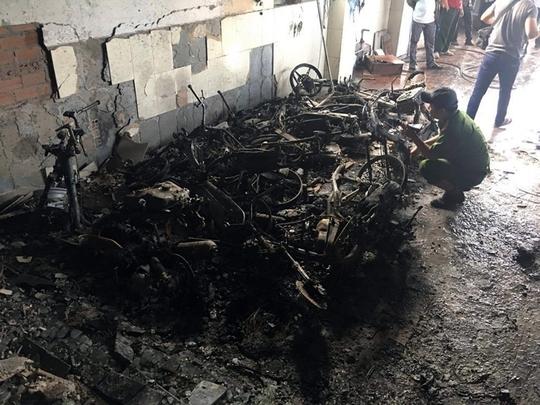 Nhiều tài sản ở tầng trệt bị lửa thiêu rụi