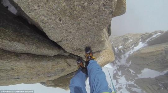 """Granheim chinh phục đỉnh Arête du Diable cao 4.100 m, được mệnh danh là """"Sừng quỷ"""", nằm trên dãy núi Mont Blanc (Pháp) thuộc dãy Alps. Ảnh: Facebook/Granheim Tormod."""
