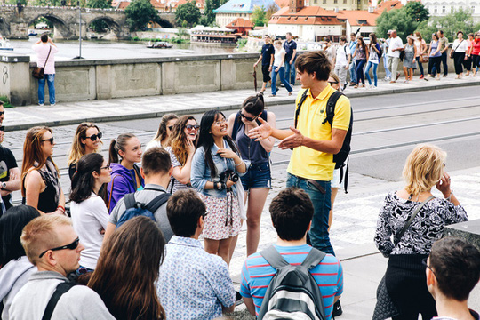 9 công việc cho phép bạn đi du lịch vòng quanh thế giới miễn phí - Ảnh 5.