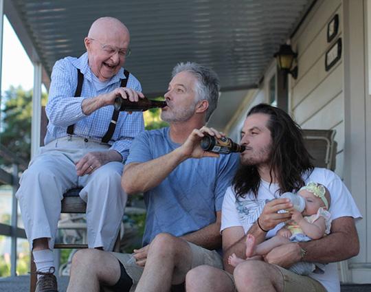 Bức ảnh về gia đình qua nhiều thế hệ ghi dấu ấn đậm nét không thế nào quên đến muôn đời sau