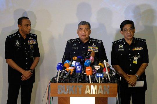 Chánh thanh tra cảnh sát Malaysia Khalid Abu Bakar trong một cuộc họp báo vụ ông Kim Jong-nam Ảnh: REUTERS