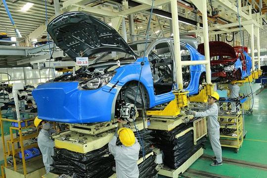 Xe sản xuất, lắp ráp trong nước giá thành đắt hơn 20% xe từ ASEAN. Ảnh: Chí Hiếu