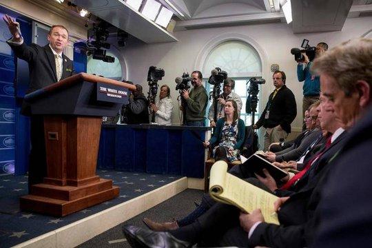 Giám đốc về Ngân sách Mick Mulvaney nói về dự thảo ngân sách cho tài khóa 2018 của Tổng thống Trump. Ảnh: AP