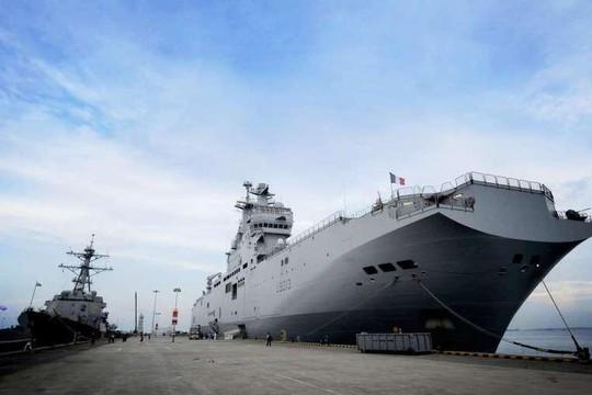 Một trong những tàu sân bay đổ bộ lớp Mistral của Pháp. Ảnh: SPH