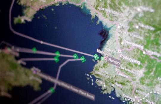 Nền tảng Thomson Reuters Eikon cho thấy hơn một chục tàu chở hàng Triều Tiên đang trên đường trở về cảng Nampo. Ảnh: Reuters
