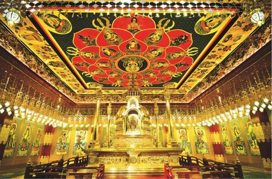 Tháp Phật giáo chứa xá lị trong chùa Phật Nha. Ảnh: Askideas.