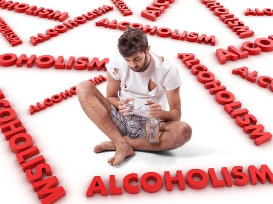 Rượu được xem là một chất gây ung thư ở người. Ảnh: Thespiritualindian.