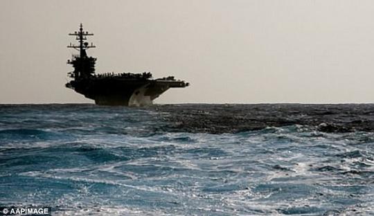 1.250 binh sĩ Mỹ cùng với tàu USS Carl Vinson (trong hình) đã đến TP Darwin để tập trận quân sự với Úc. Ảnh: AAP