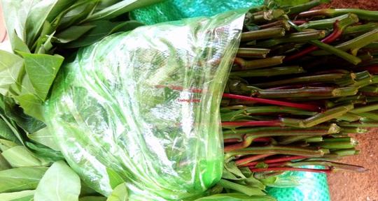 Canh rau sắn nấu cá: Đặc sản miền trung du Phú Thọ - Ảnh 1.