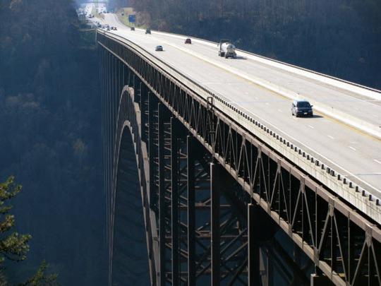 Tròn mắt trước 20 cây cầu có cấu trúc ấn tượng nhất thế giới - Ảnh 1.