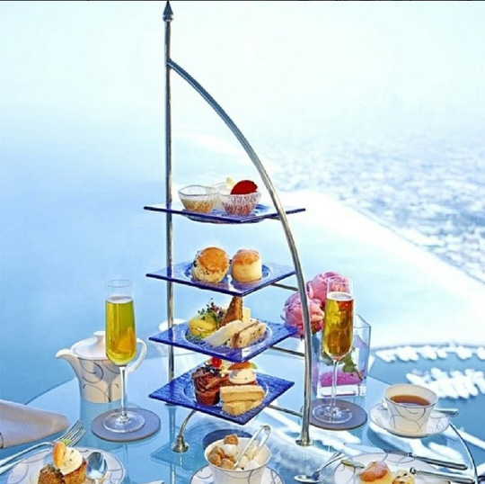 Cuộc sống của hội con nhà giàu Dubai - Ảnh 2.