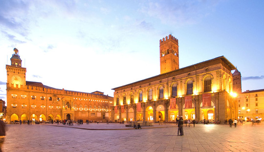 Kiến trúc độc đáo của trường đại học hơn 900 năm tuổi - Ảnh 2.