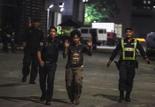 Vụ nổ súng đẫm máu Philippines: Tay súng là người nước ngoài - Ảnh 4.