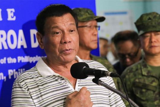Ông Duterte: Tiêu diệt phiến quân ngay cả khi chúng giết con tin - Ảnh 1.