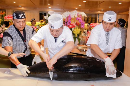 Cá ngừ vây xanh 300 triệu nhập từ chợ cá Nhật Bản - Ảnh 3.