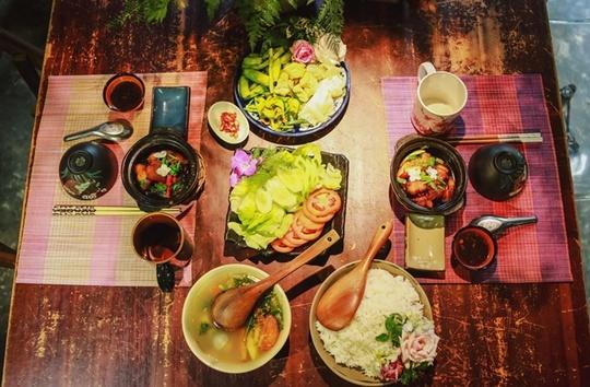 Quán cơm chỉ bán 25 suất mỗi ngày ở Sài Gòn - Ảnh 2.