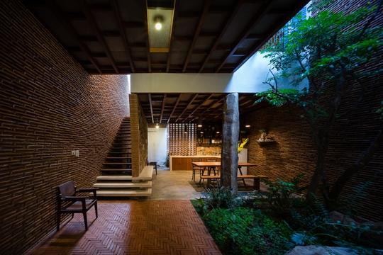 Nhà nhỏ trên cao nguyên Lâm Đồng đẹp như bước ra từ truyện cổ - Ảnh 2.