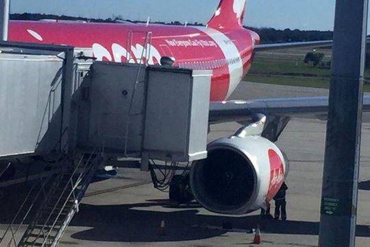 Máy bay lắc như máy giặt, phi công khuyên hành khách cầu nguyện - Ảnh 1.