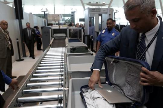 Mỹ: Kế hoạch an ninh mới thay lệnh cấm laptop trên chuyến bay - Ảnh 2.