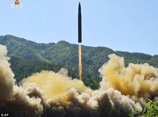 Mỹ - Hàn tập trận tên lửa đạn đạo dằn mặt Triều Tiên - Ảnh 6.