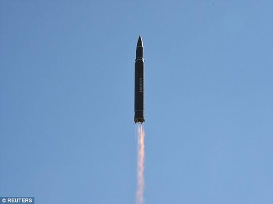 Mỹ - Hàn tập trận tên lửa đạn đạo dằn mặt Triều Tiên - Ảnh 7.