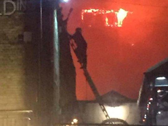 Lại cháy kinh hoàng ở London - Ảnh 2.