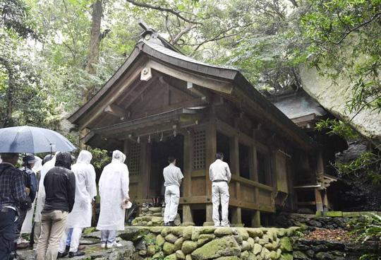 Nhật Bản: Đảo đàn ông là di sản thế giới - Ảnh 1.