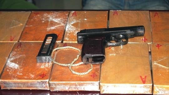Hàng loạt tiếng súng trong rừng Nậm Nhoóng - Ảnh 2.