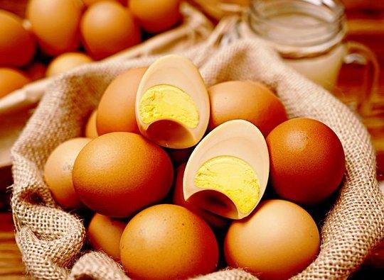 Tranh nhau mua trứng gà Hàn Quốc đắt gấp 10 lần trứng Việt - Ảnh 2.