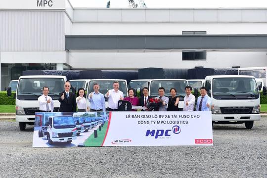Fuso đánh dấu 6 tháng đầu năm thành công bằng hợp đồng xe tải khủng - Ảnh 1.