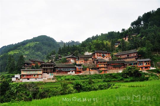 Những điểm du lịch nổi như cồn, đẹp lung linh ở Trung Quốc - Ảnh 1.