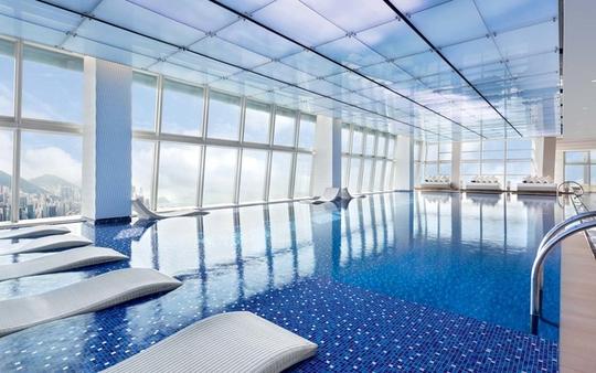10 khách sạn có bể bơi sân thượng đẹp nhất - Ảnh 2.