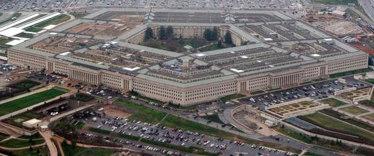 Máy bay Nga lượn qua nhiều tòa nhà chính phủ Mỹ - Ảnh 1.