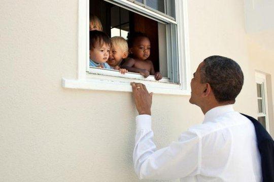 Ông Obama gây bão cộng đồng mạng vì thông điệp mới - Ảnh 1.