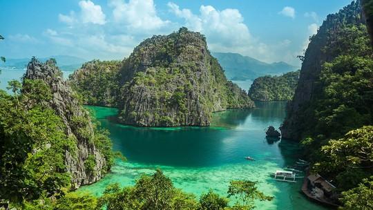 Palawan: Hòn đảo đẹp nhất thế giới - Ảnh 1.