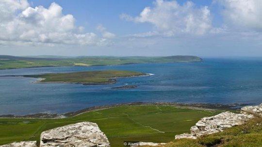 Chuyện lạ quanh hòn đảo mỗi năm chỉ đến được một lần - Ảnh 3.