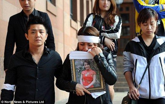 Người đẹp Việt bị thiêu chết ở Anh, bắt 2 nghi phạm - Ảnh 4.